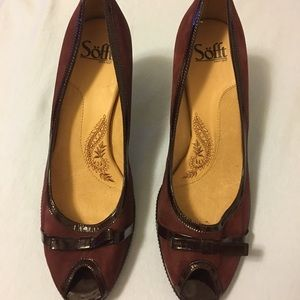 Burgundy Leather Suede Heeled shoes.